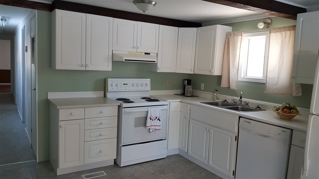 """Photo 6: Photos: 6993 ADAM Drive in Prince George: Emerald Manufactured Home for sale in """"EMERALD"""" (PG City North (Zone 73))  : MLS®# R2444939"""