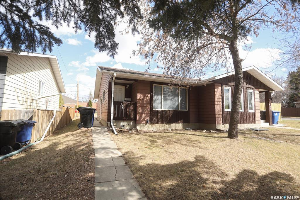 Main Photo: 434A Gardiner Place in Saskatoon: Sutherland Residential for sale : MLS®# SK805953