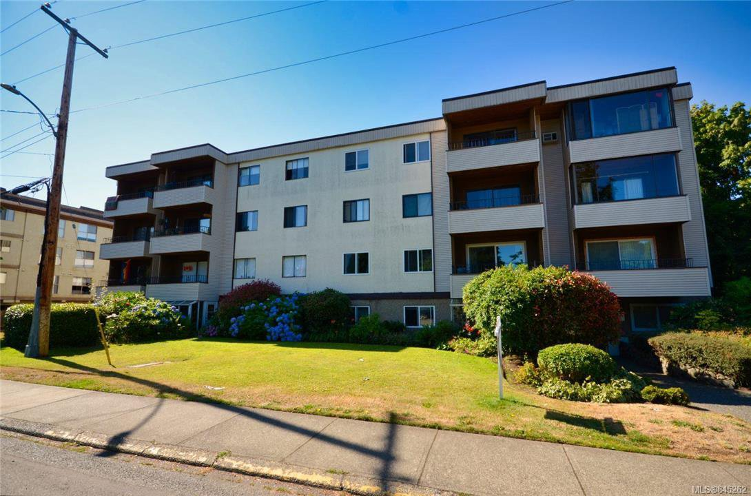 Main Photo: 304 1571 Mortimer St in Saanich: SE Mt Tolmie Condo Apartment for sale (Saanich East)  : MLS®# 845262