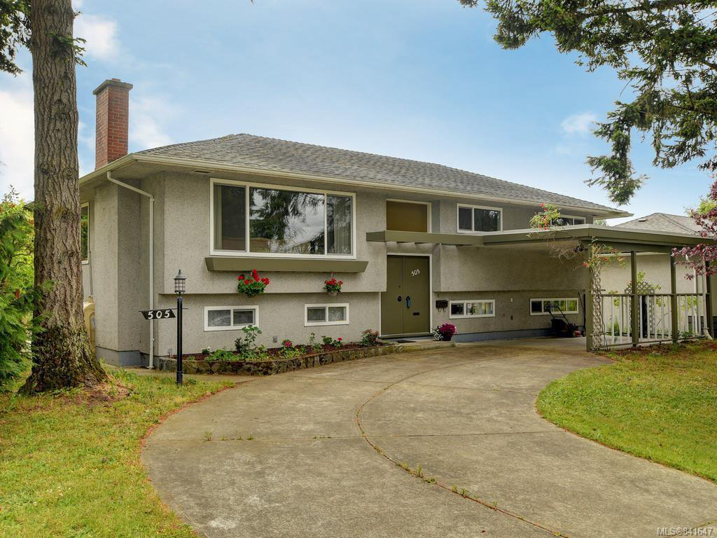 Main Photo: 505 Ridgebank Cres in Saanich: SW Northridge Single Family Detached for sale (Saanich West)  : MLS®# 841647