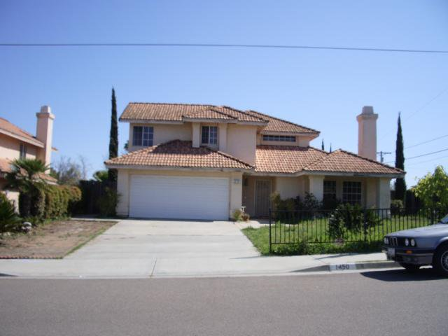 Main Photo: SOUTH ESCONDIDO House for sale : 3 bedrooms : 1450 Upas in Escondido