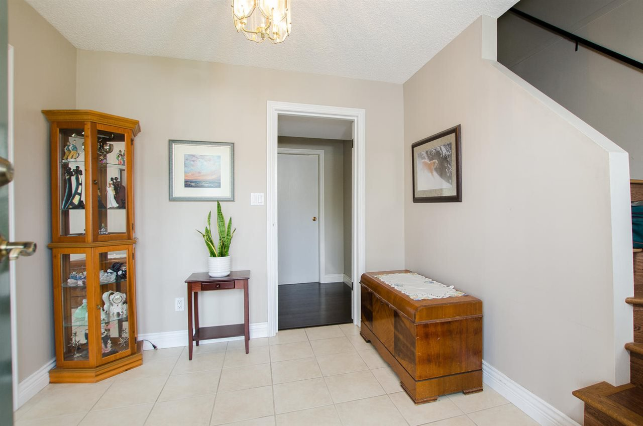 Photo 2: Photos: 5574 49 Avenue in Delta: Hawthorne House for sale (Ladner)  : MLS®# R2388506