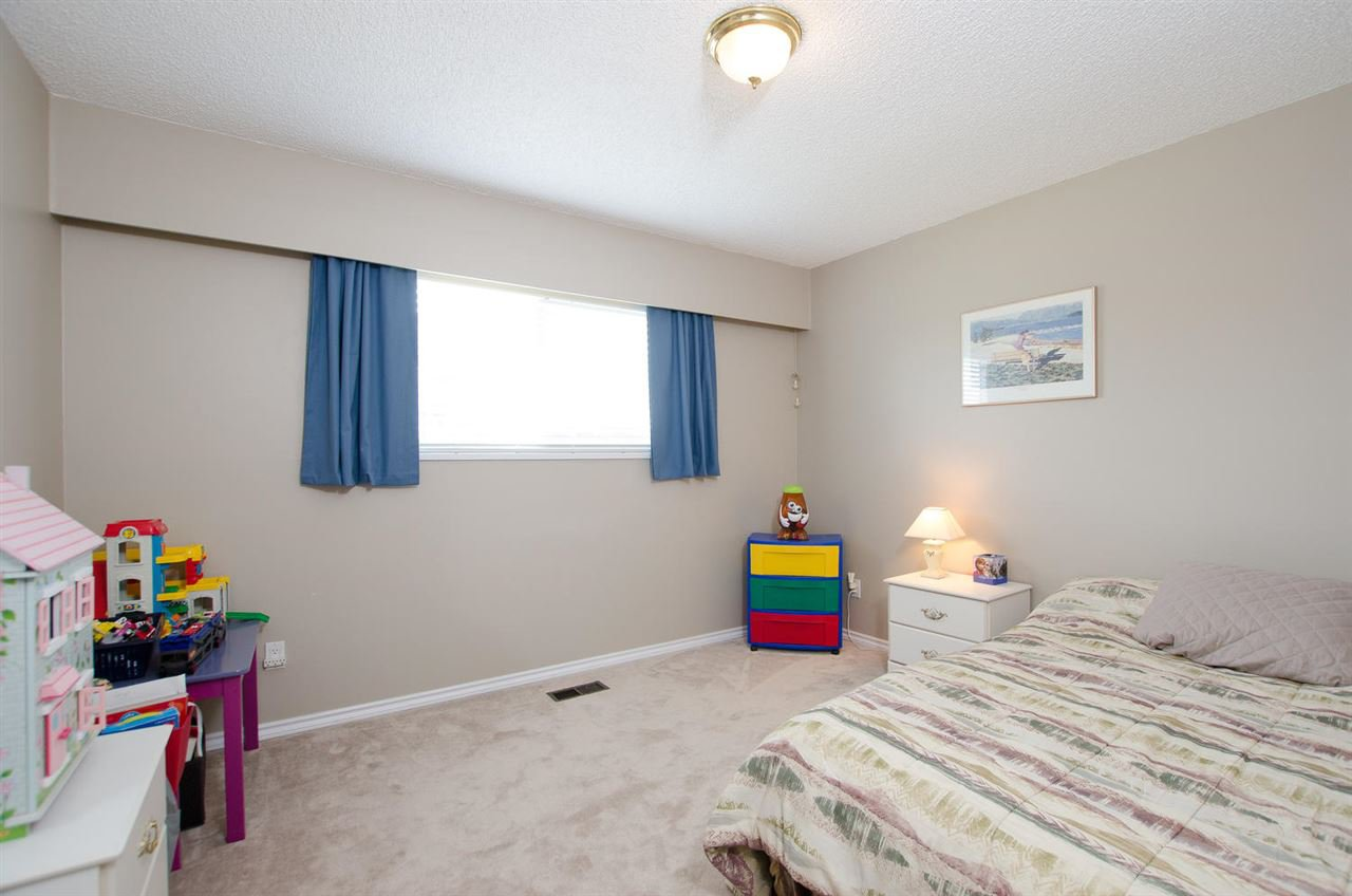 Photo 13: Photos: 5574 49 Avenue in Delta: Hawthorne House for sale (Ladner)  : MLS®# R2388506