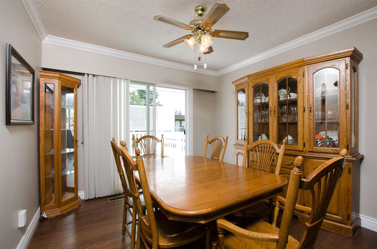 Photo 7: Photos: 5574 49 Avenue in Delta: Hawthorne House for sale (Ladner)  : MLS®# R2388506