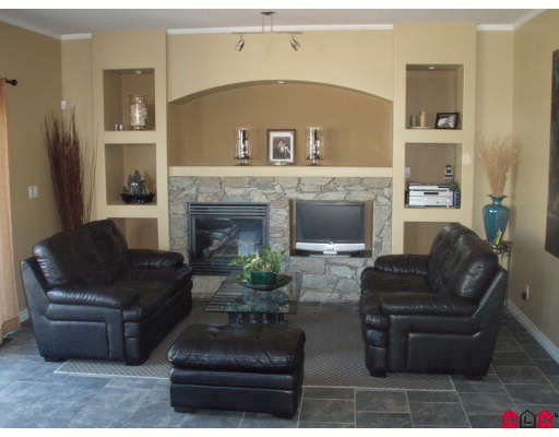 """Photo 4: Photos: 18891 68A Avenue in Surrey: Clayton House for sale in """"Clayton Village"""" (Cloverdale)  : MLS®# F2919387"""