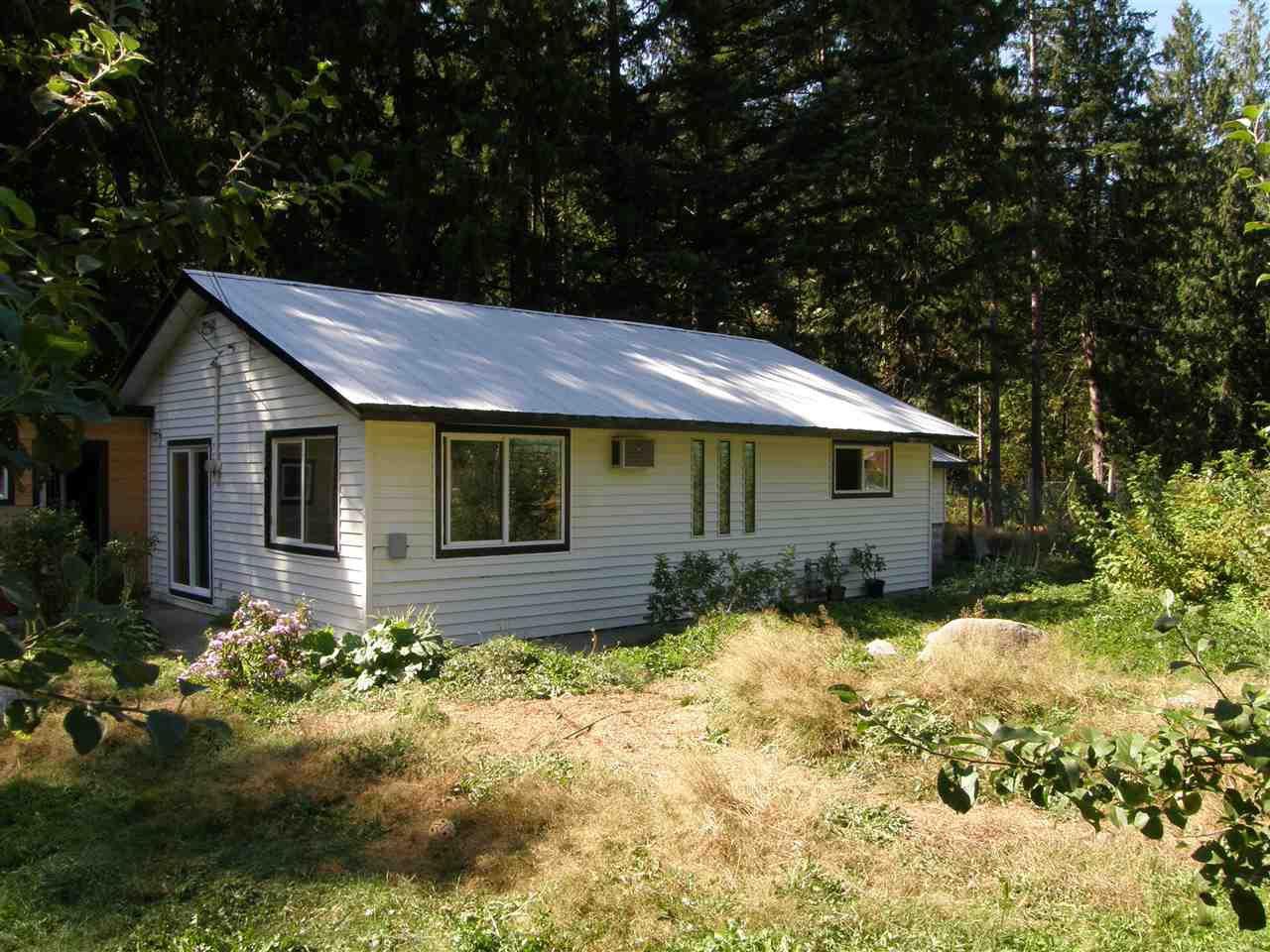 Main Photo: 19749 SILVERHOPE Road in Hope: Hope Silver Creek House for sale : MLS®# R2488247