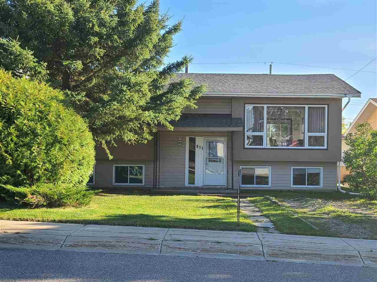 Main Photo: 811 11 Avenue: Cold Lake House for sale : MLS®# E4213248