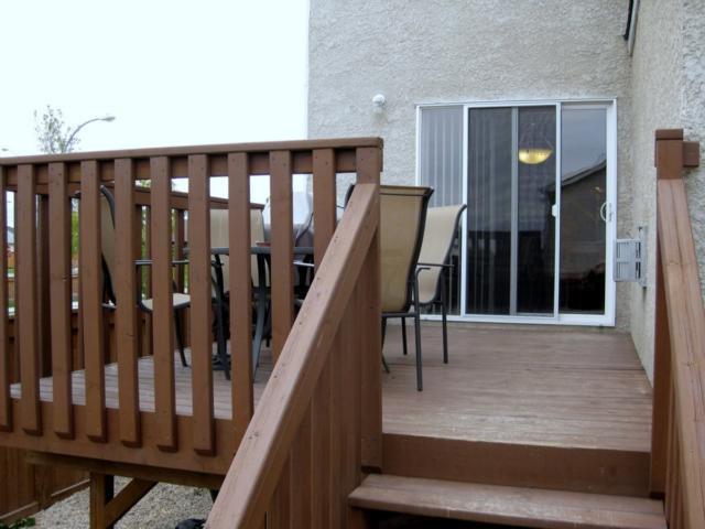 Photo 3: Photos: 405 MURRAY Avenue in WINNIPEG: West Kildonan / Garden City Residential for sale (North West Winnipeg)  : MLS®# 1018856
