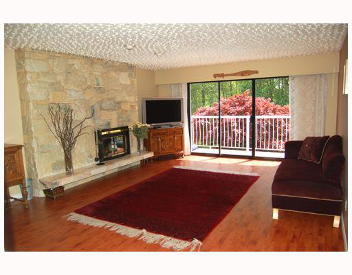 Photo 2: Photos: 7289 EDNOR Crescent in Burnaby: Simon Fraser Univer. House 1/2 Duplex for sale (Burnaby North)  : MLS®# V767003
