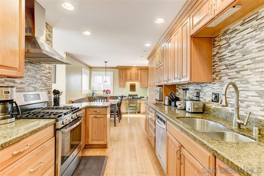 Main Photo: SAN DIEGO House for sale : 4 bedrooms : 1851 Hermes St