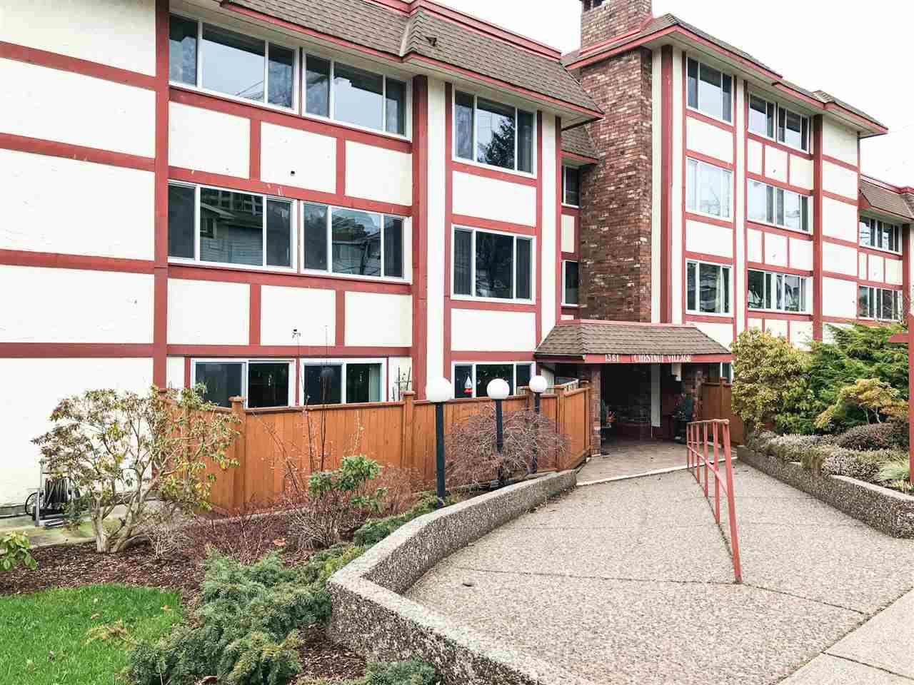 "Main Photo: 203 1381 MARTIN Street: White Rock Condo for sale in ""Chestnut Village"" (South Surrey White Rock)  : MLS®# R2428116"