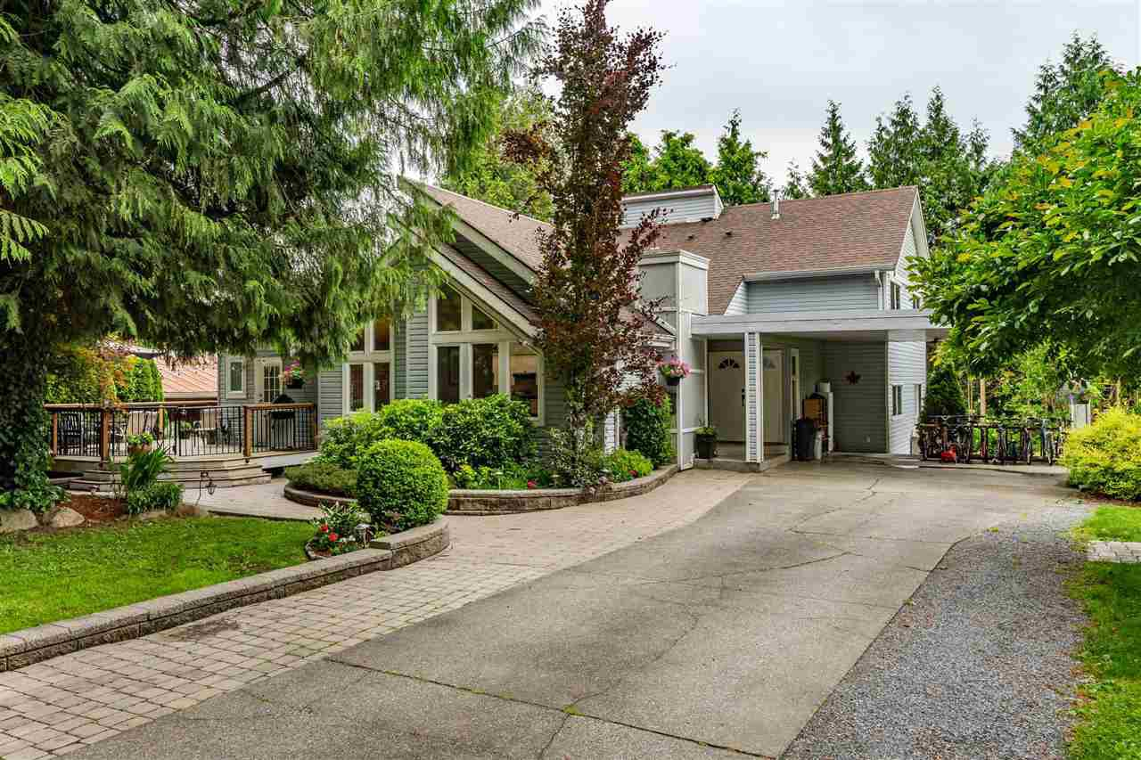 Main Photo: 26012 58 Avenue in Langley: County Line Glen Valley House for sale : MLS®# R2464366