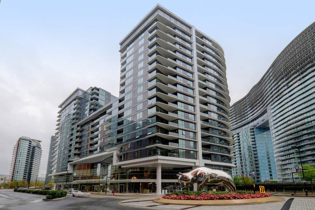 "Main Photo: 311 68 SMITHE Street in Vancouver: Downtown VW Condo for sale in ""One Pacific"" (Vancouver West)  : MLS®# R2466585"