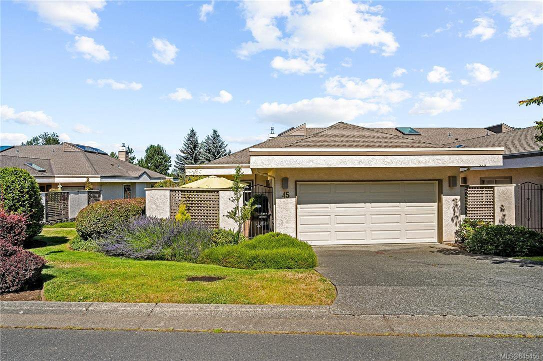 Main Photo: 45 4318 Emily Carr Dr in : SE Broadmead Row/Townhouse for sale (Saanich East)  : MLS®# 845456