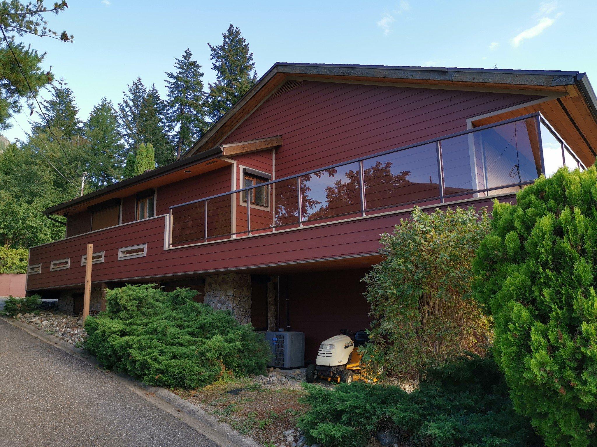 Main Photo: 2404 Eagle Bay Rd: Blind Bay House for sale (Shuswap)  : MLS®# 10220112