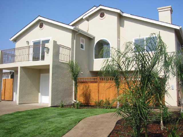 Main Photo: CITY HEIGHTS Residential for sale : 2 bedrooms : 3564 43rd Street #4 in San Diego
