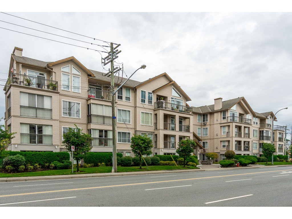 Main Photo: 303 2772 Clearbrook Road in Abbotsford: Abbotsford West Condo for sale : MLS®# R2404491
