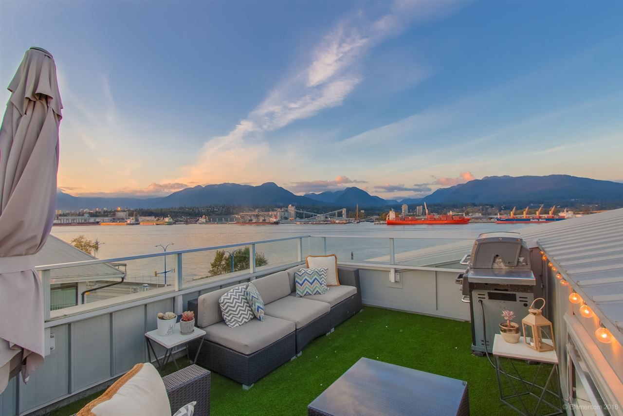 Main Photo: 2937 WALL Street in Vancouver: Hastings Sunrise Townhouse for sale (Vancouver East)  : MLS®# R2503032