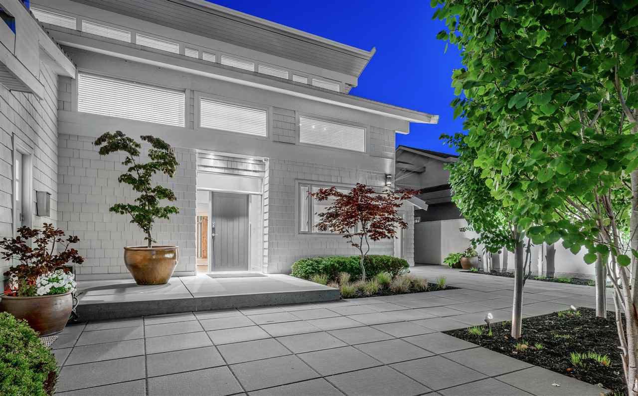 Main Photo: 218 CENTENNIAL PARKWAY in Delta: Boundary Beach House for sale (Tsawwassen)  : MLS®# R2494671
