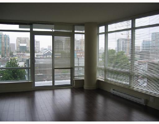"Main Photo: 705 8288 LANSDOWNE Road in Richmond: Brighouse Condo for sale in ""VERSANTE"" : MLS®# V716573"
