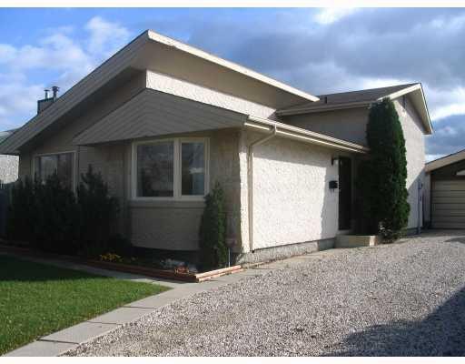 Main Photo: 67 GREENSBORO Bay in WINNIPEG: Fort Garry / Whyte Ridge / St Norbert Residential for sale (South Winnipeg)  : MLS®# 2819511