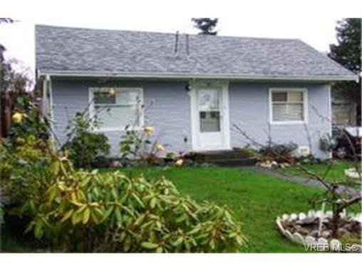 Main Photo: 861 Fleming St in VICTORIA: Es Old Esquimalt Single Family Detached for sale (Esquimalt)  : MLS®# 451567