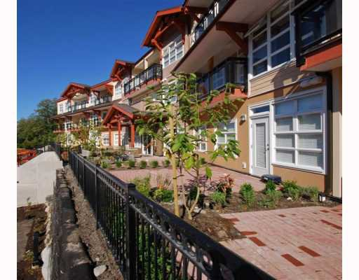 "Main Photo: 120 41105 TANTALUS Road in Squamish: Garibaldi Estates Condo for sale in ""GALLERIES"" : MLS®# V752495"