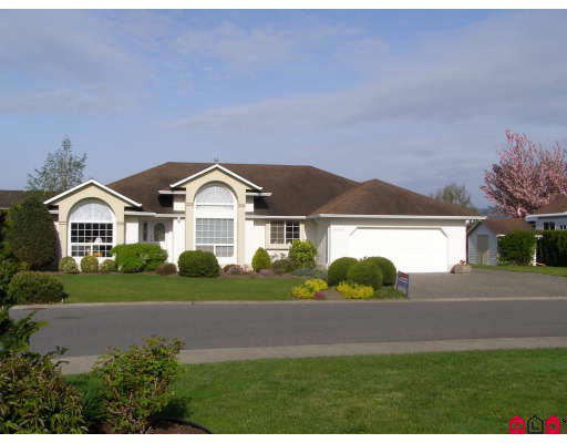 Main Photo: 46330 JOHN Place in Sardis: Sardis East Vedder Rd House for sale : MLS®# H2901712