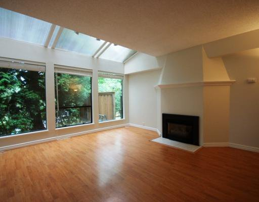 Photo 3: Photos: 5870 MAYVIEW Circle in Burnaby: Burnaby Lake Townhouse for sale (Burnaby South)  : MLS®# V780537