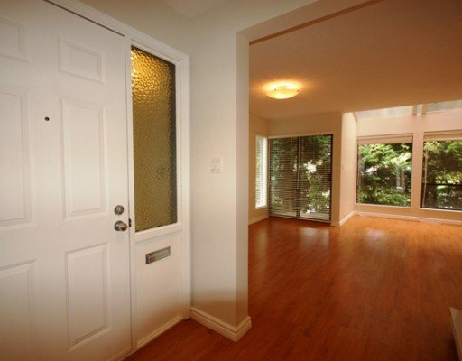 Photo 2: Photos: 5870 MAYVIEW Circle in Burnaby: Burnaby Lake Townhouse for sale (Burnaby South)  : MLS®# V780537