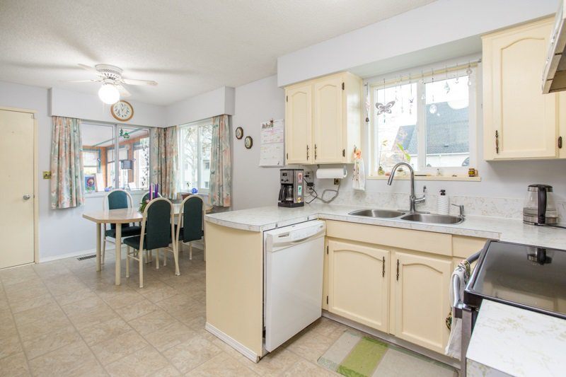 Photo 8: Photos: 6161 ST. GEORGE Street in Vancouver: Fraser VE House for sale (Vancouver East)  : MLS®# R2422221