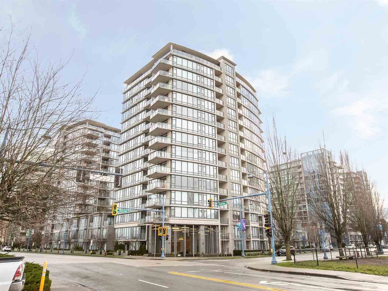 Main Photo: 703 7360 ELMBRIDGE Way in Richmond: Brighouse Condo for sale : MLS®# R2430734