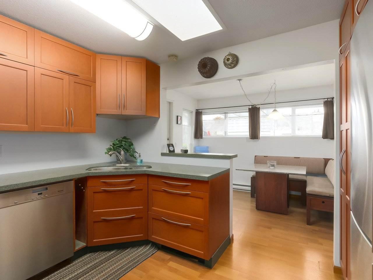 Photo 10: Photos: 311 4989 47 AVENUE in Delta: Ladner Elementary Condo for sale (Ladner)  : MLS®# R2421936
