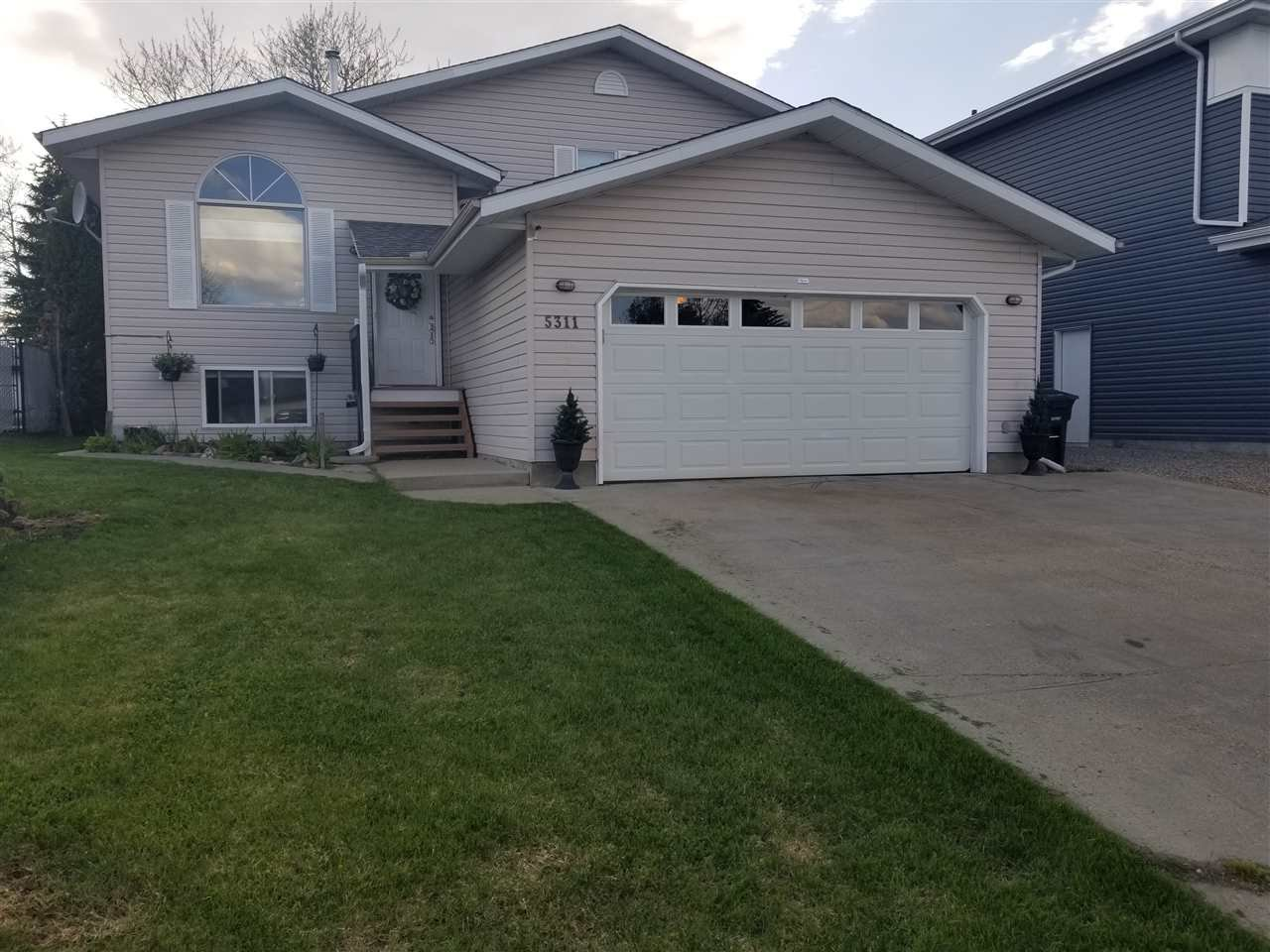 Main Photo: 5311 63 Street: Redwater House for sale : MLS®# E4197439