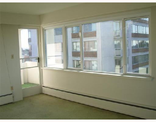 """Photo 3: Photos: 503 6026 TISDALL Street in Vancouver: Oakridge VW Condo for sale in """"OAKRIDGE TOWERS"""" (Vancouver West)  : MLS®# V743701"""