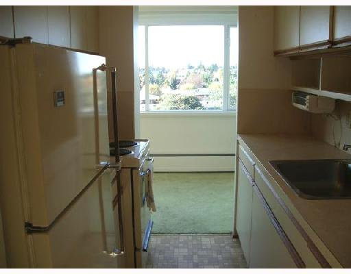 """Photo 5: Photos: 503 6026 TISDALL Street in Vancouver: Oakridge VW Condo for sale in """"OAKRIDGE TOWERS"""" (Vancouver West)  : MLS®# V743701"""