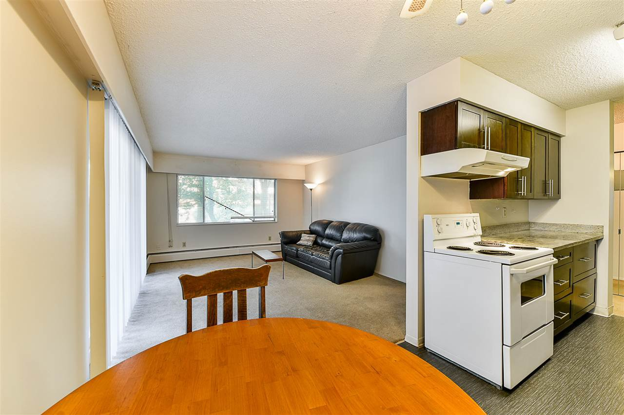 "Photo 6: Photos: 108 815 FOURTH Avenue in New Westminster: Uptown NW Condo for sale in ""NORFOLKHOUSE"" : MLS®# R2439442"