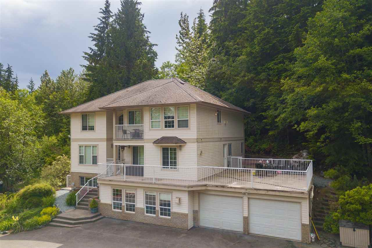 """Main Photo: 32271 HAMPTON Common in Mission: Mission BC House for sale in """"HAMPTON PROPERTIES"""" : MLS®# R2470085"""