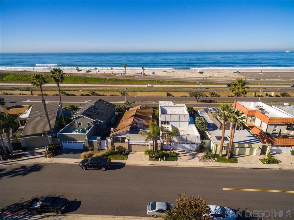 Main Photo: CORONADO CAYS House for sale : 3 bedrooms : 26 Half Moon Bend in Coronado