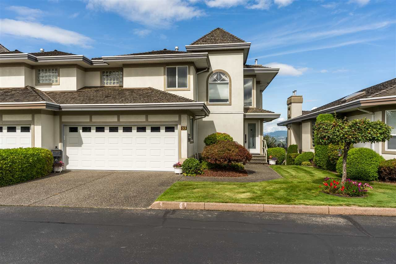 "Main Photo: 33 31445 RIDGEVIEW Drive in Abbotsford: Abbotsford West Townhouse for sale in ""Panorama Ridge"" : MLS®# R2501745"