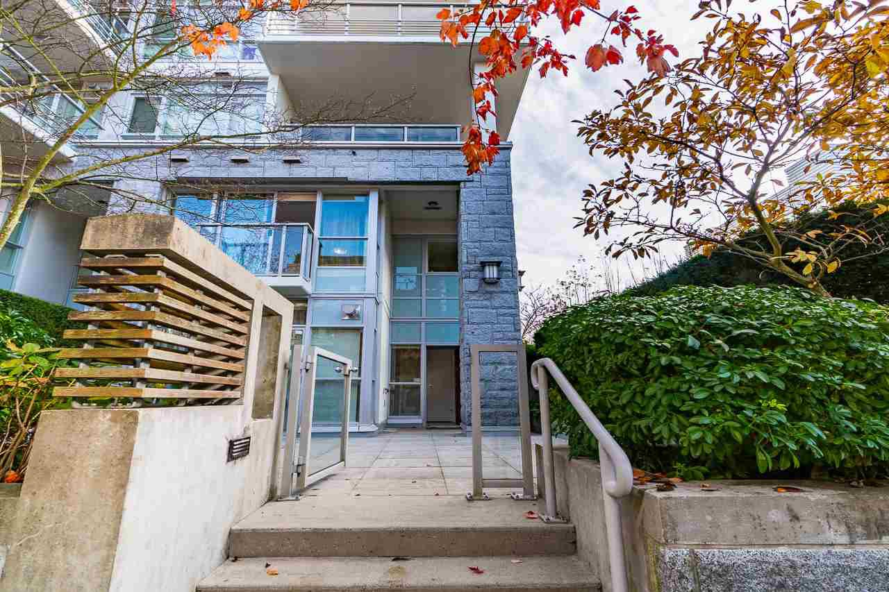 Main Photo: 6088 IONA Drive in Vancouver: University VW Townhouse for sale (Vancouver West)  : MLS®# R2514967