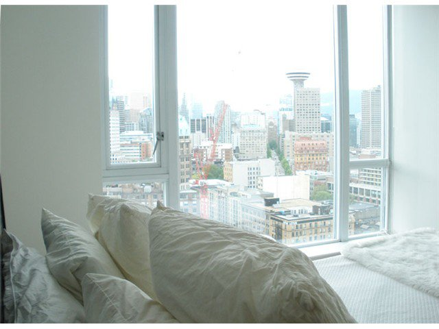"""Main Photo: 2701 550 TAYLOR Street in Vancouver: Downtown VW Condo for sale in """"TAYLOR"""" (Vancouver West)  : MLS®# V833375"""