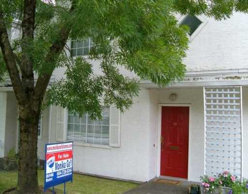 "Main Photo: 45 889 TOBRUCK AV in North Vancouver: Hamilton Townhouse for sale in ""TOBRUCK GARDENS"" : MLS®# V604297"