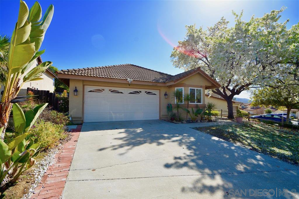 Main Photo: RANCHO SAN DIEGO House for sale : 3 bedrooms : 11920 Calle Naranja in El Cajon