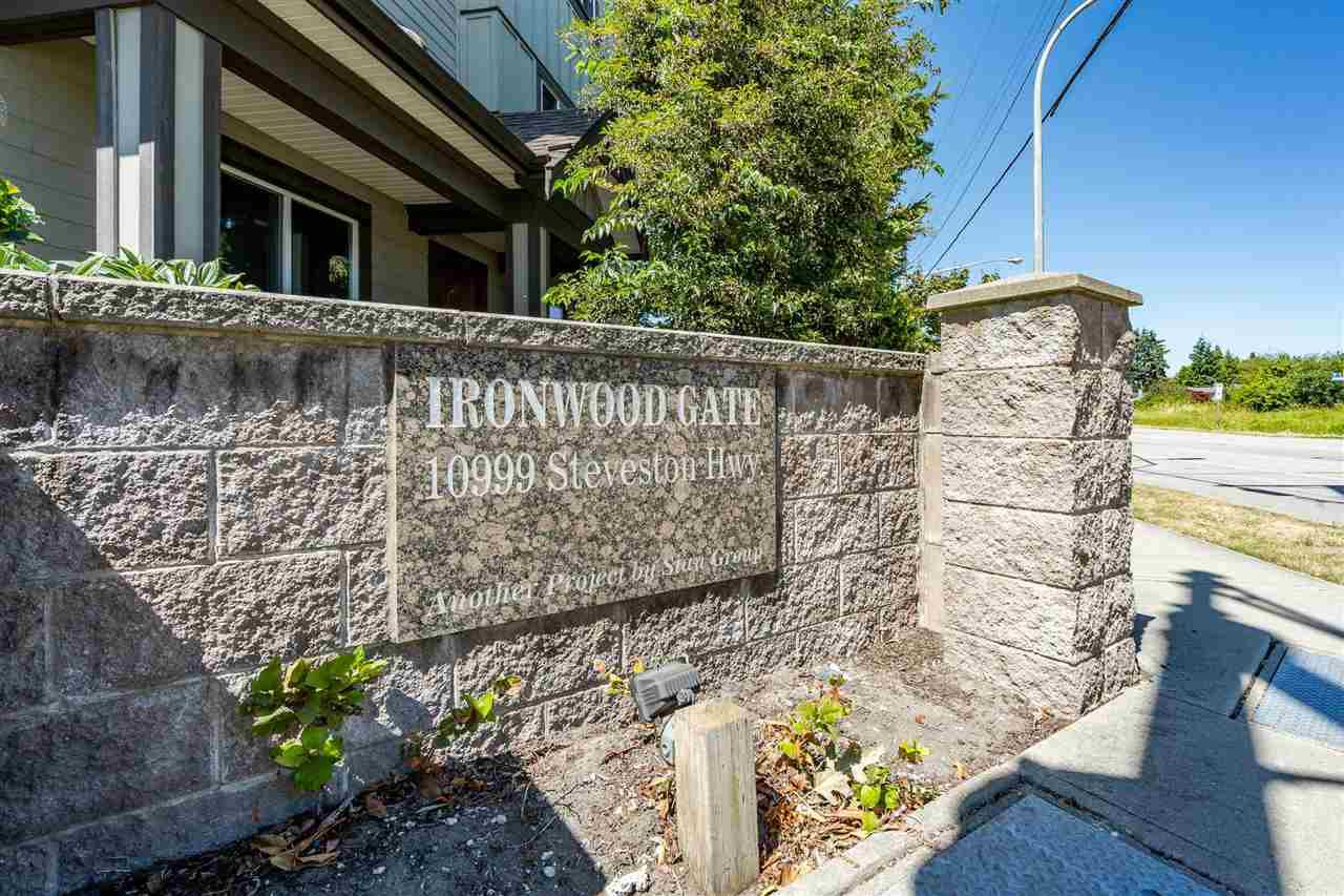 "Main Photo: 24 10999 STEVESTON Highway in Richmond: McNair Townhouse for sale in ""Ironwood Gate"" : MLS®# R2480578"