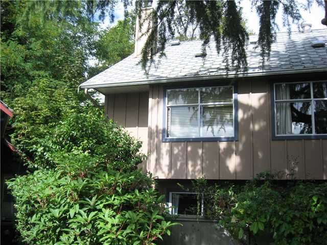 """Main Photo: 23 900 W 17TH Street in North Vancouver: Hamilton Townhouse for sale in """"FOXWOOD HILLS"""" : MLS®# V849792"""