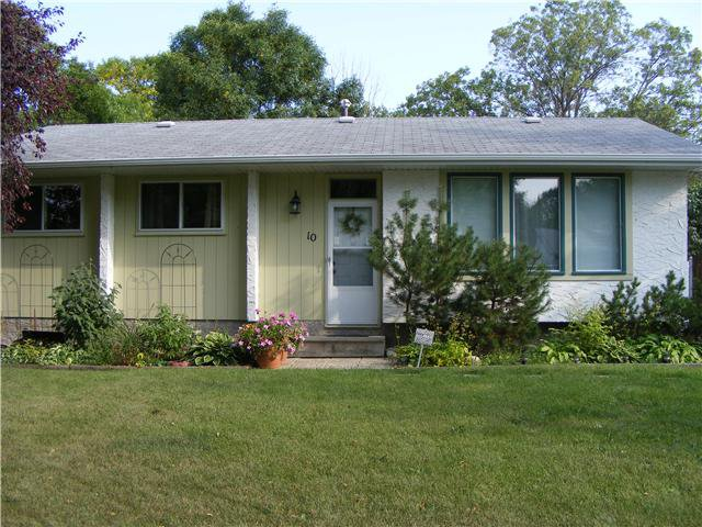 Main Photo: 10 JASMINE Close in WINNIPEG: Charleswood Residential for sale (South Winnipeg)  : MLS®# 1018740