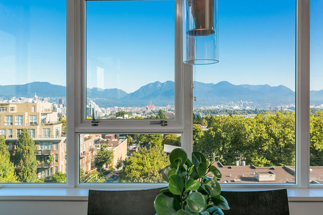 Main Photo: 807 2788 PRINCE EDWARD Street in Vancouver: Mount Pleasant VE Condo for sale (Vancouver East)  : MLS®# R2401286
