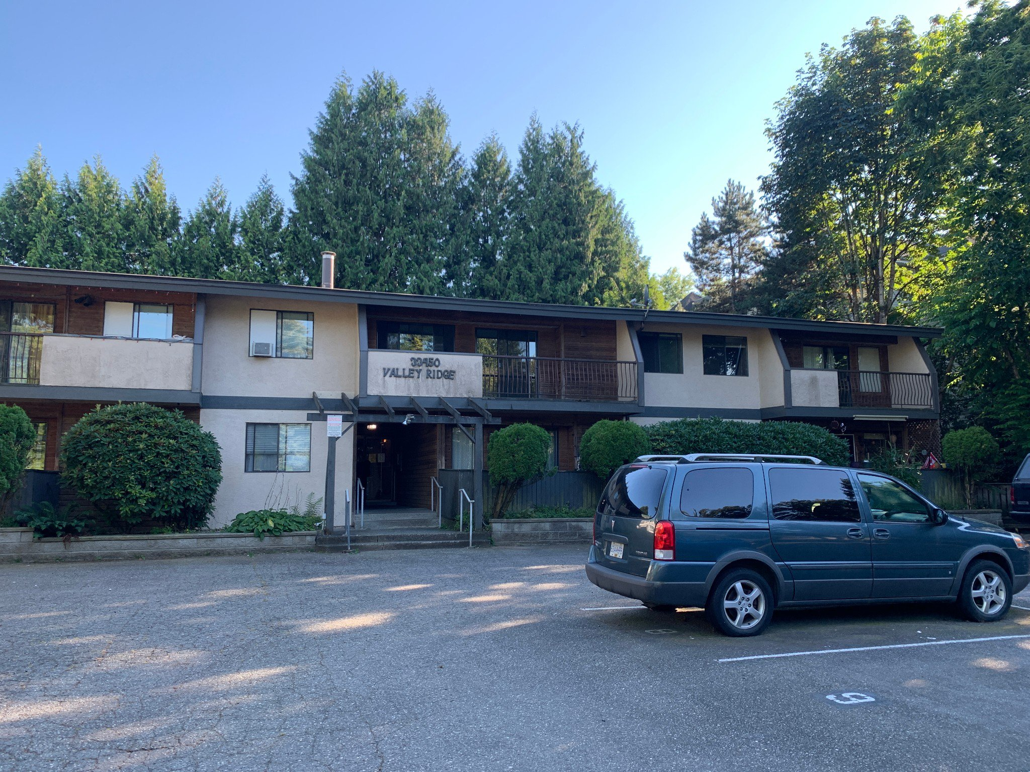 Main Photo: #306 33450 George Ferguson Way in Abbotsford: Central Abbotsford Condo for rent