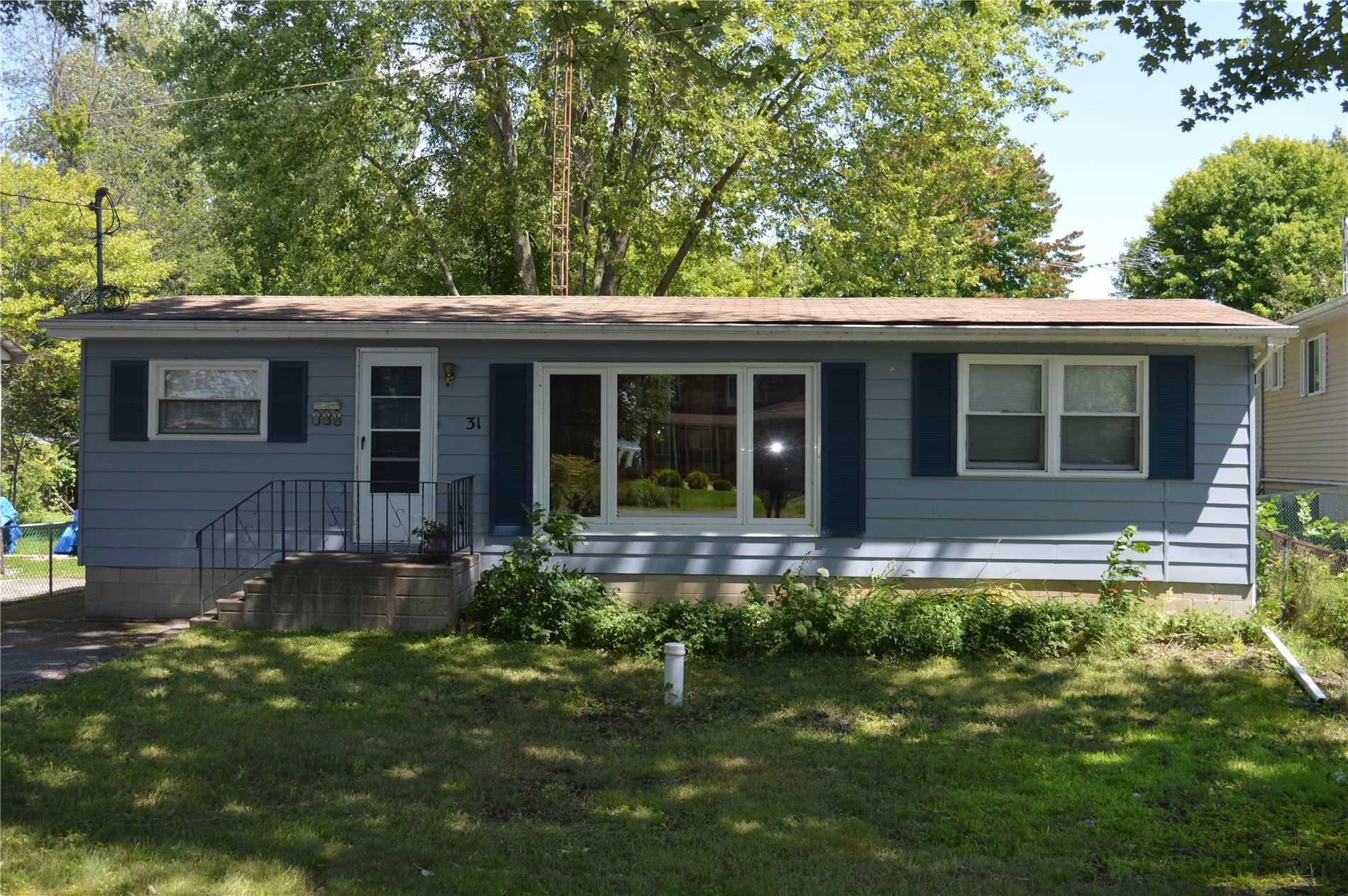 Main Photo: 31 Lake Avenue in Ramara: Brechin House (Bungalow) for sale : MLS®# S4857919
